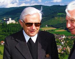 """""""Paraliż może dotrzeć do serca''. Starszy brat Benedykta XVI w niepokojących słowach o zdrowiu 90-letniego papieża"""