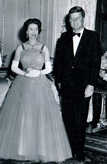 Ilu prezydentów Stanów Zjednoczonych przeżyła królowa Elżbieta?