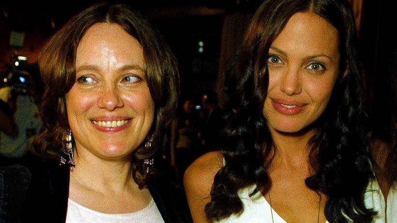 Angelina Jolie, Marcheline Bertrand, main topic