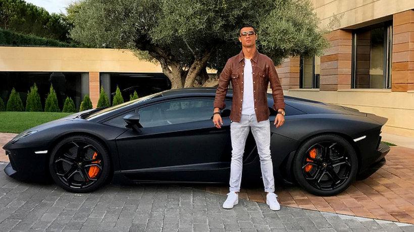 Cristiano Ronaldo, samochody piłkarza, main topic