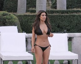 Kim Kardashian, kostiumy kąpielowe, kostiumy kąpielowe Kim Kardashian