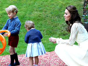 księżna Kate, Kate Middleton, księżna Kate z dziećmi, książę William, jamnik