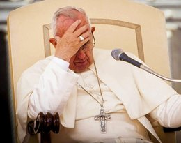 """""""W świat poszedł sygnał, że moralność nie ma znaczenia"""". Papież Franciszek oskarżany o szerzenie herezji!"""