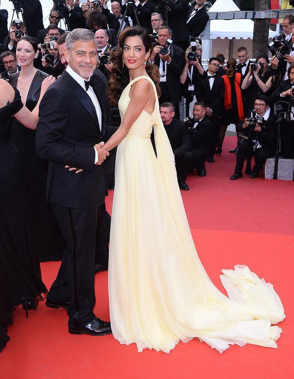 George Clooney w garniturze