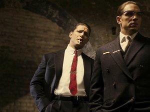 Tom Hardy w podwójnej roli bliźniaków Kray