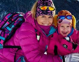 Słońce, śnieg i narty. Katarzyna Skrzynecka wie, dokąd uciec na ferie. A jej córka to wykapana mama!
