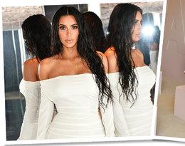 Kim Kardashian przebierała się kilka razy zanim wybrała stylizację godną premiery KKW Beauty! Biała sukienka pochodzi z kolekcji Vivienne Westwood