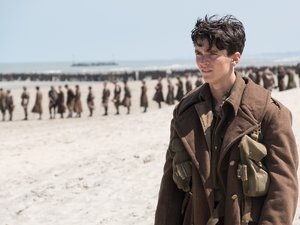 "Film Name: DUNKIERKA  Copyright: © 2017 WARNER BROS. ENTERTAINMENT INC. ALL RIGHTS RESERVED  Photo Credit: Melinda Sue Gordon  Caption: FIONN WHITEHEAD as Tommy in the Warner Bros. Pictures action thriller ""DUNKIRK,"" a Warner Bros. Pictures release."