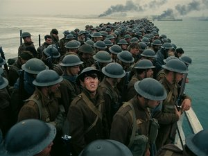 """Film Name: DUNKIERKA  Copyright: © 2017 WARNER BROS. ENTERTAINMENT INC. ALL RIGHTS RESERVED  Photo Credit: Courtesy of Warner Bros. Pictures  Caption: A scene from the Warner Bros. Pictures action thriller """"DUNKIRK,"""" a Warner Bros. Pictures release."""