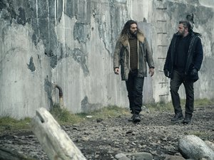 "(L-R) JASON MOMOA as Arthur Curry and BEN AFFLECK as Bruce Wayne in Warner Bros. Pictures' action adventure ""JUSTICE LEAGUE,"" a Warner Bros. Pictures release."