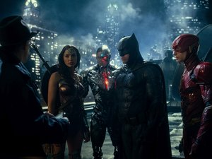 "(L-R) J.K. SIMMONS as Commissioner Gordon, GAL GADOT as Wonder Woman, RAY FISHER as Cyborg, BEN AFFLECK as Batman and EZRA MILLER as The Flash in Warner Bros. Pictures' action adventure ""JUSTICE LEAGUE,"" a Warner Bros. Pictures release."