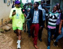 Kanye West rozdał w Ugandzie nowy drop Yeezy!