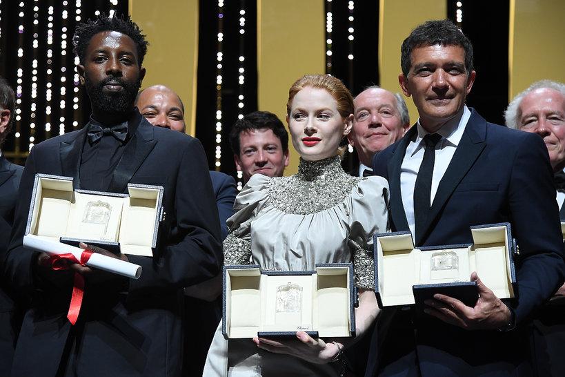 """Nagroda Jury dla """"Les Miserables"""" Ladja Ly; Emily Beecham najlepszą aktorką;  Antonio Banderas najlepszym aktorem"""
