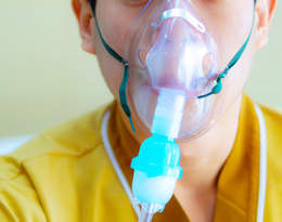 Koronawirus w Anglii: Nie żyje 13-latek. Ostatnie chwile jego życia były dramatyczne