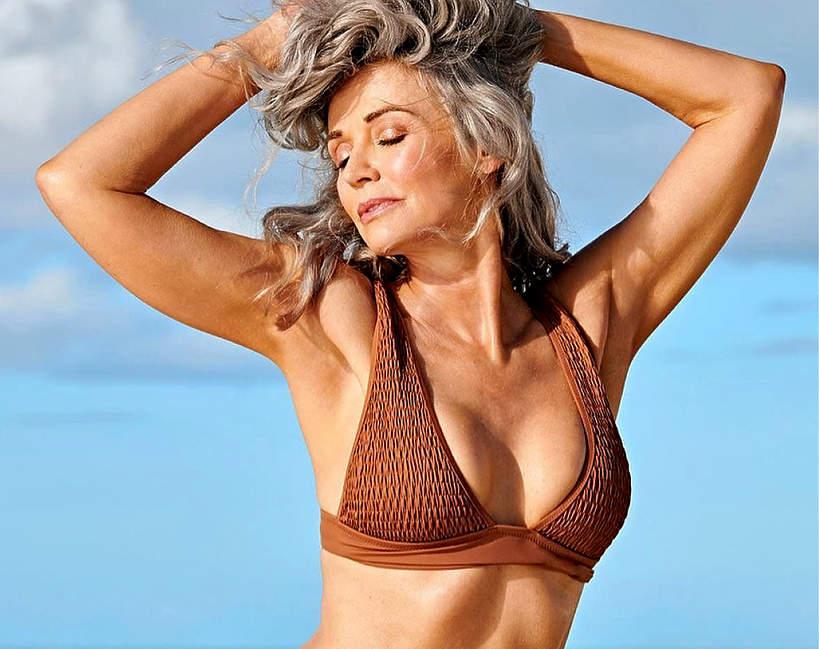 56-letnia-modelka-w-sesji-bikini-dla-sports-illustrated-zachwyca-figura1
