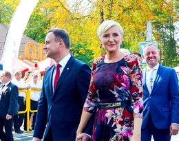 Agata Duda na uroczystości w Warszawie. Czy ta sukienka pasuje do jej stylu?