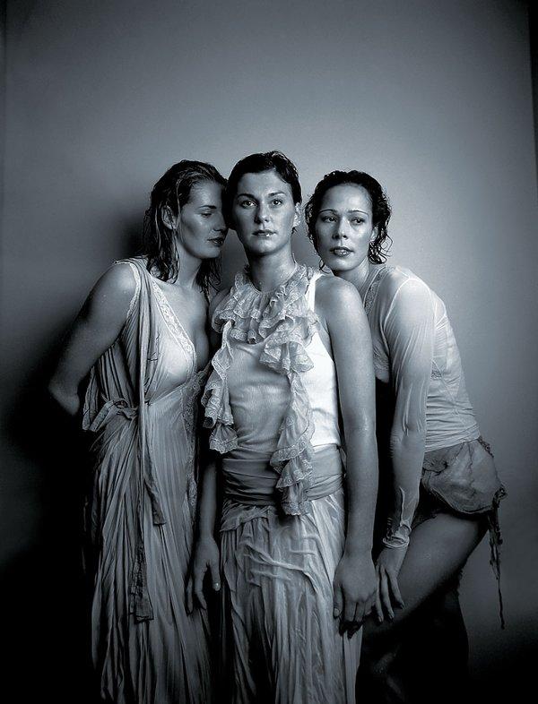 Agata Mróz, Katarzyna Skowrońska, Maria Liktoras, Viva! grudzień 2003