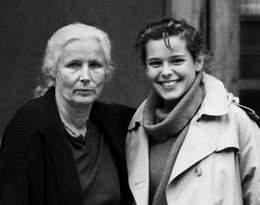 Odeszła od córki i partnera, popadła w alkoholizm... Jaką matką była Agnieszka Osiecka?
