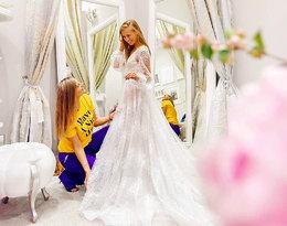 Dostojne rękawy, misternie ułożony tren… Tak wyglądają suknie ślubne Agnieszki Kaczorowskiej!