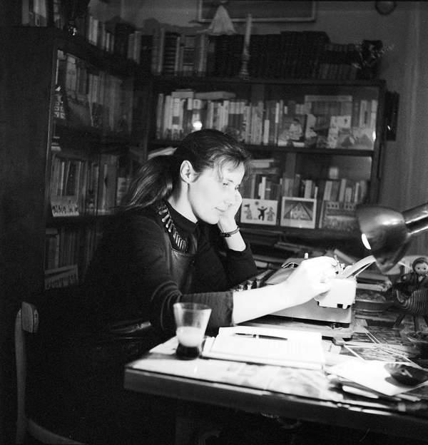 Agnieszka Osiecka we własnym domu