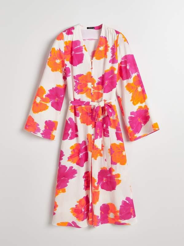 agnieszka-radwanska-pokazuje-ciazowy-brzuszek-w-modnej-sukience-w-kwiaty-podobna-kreacje-kupisz-w-reserved