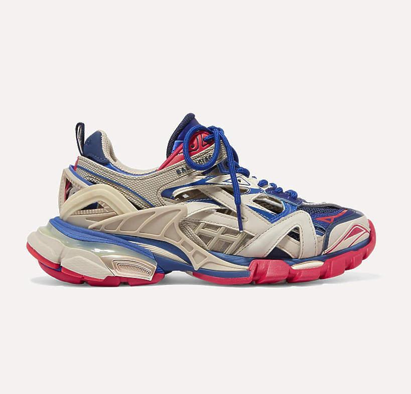 agnieszka-wozniak-starak-w-sneakersach-balenciaga-za-3-tysiace-zlotych-podobne-kupisz-w-reserved-juz-za-79-zlotych1
