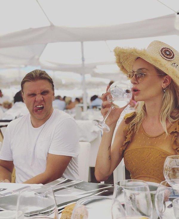 Agnieszka Woźniak-Starak z mężem na wakacjach