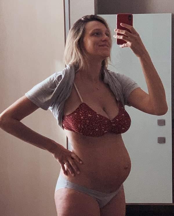 aleksandra-zebrowska-pokazala-brzuch-po-porodzie-opublikowala-zdjecie-z-porodowki