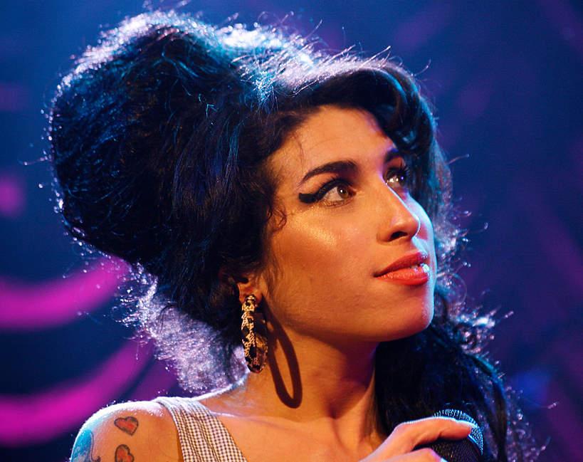 Amy Winehouse - teorie o śmierci znanej wokalistki