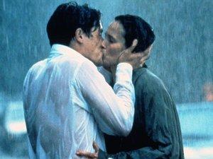 "Andie MacDowell i Hugh Grant - ""Cztery wesela i pogrzeb"""