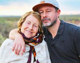 Mama Andrzeja Piasecznego w szpitalu. Artysta pokazał poruszającą fotografię