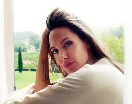 Tak odważnej sesji już dawno nie było! Angelina Jolie pozuje... nago