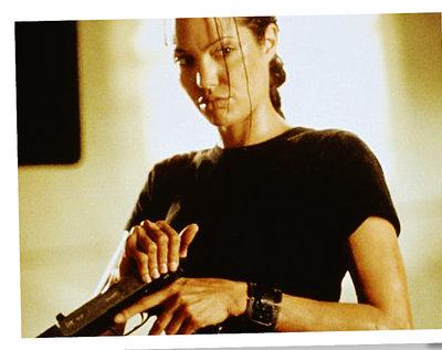 Angelina Jolie i Alicia Vikander jako Lara Croft