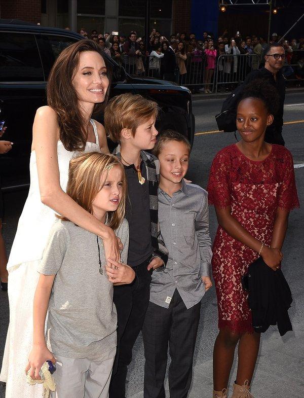 Angelina Jolie z dziećmi w Toronto