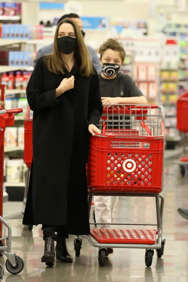 Angelina Jolie z młodszym, biologicznym synem, Knox Jolie-Pitt