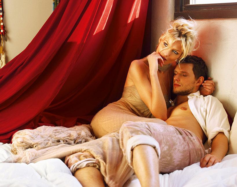 Anja Rubik i Sasha Knezevic, VIVA! grudzień 2008, VIVA! 25/2008