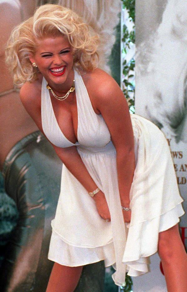 Anna Nicole Smith wyglądająca jak Marylin Monroe