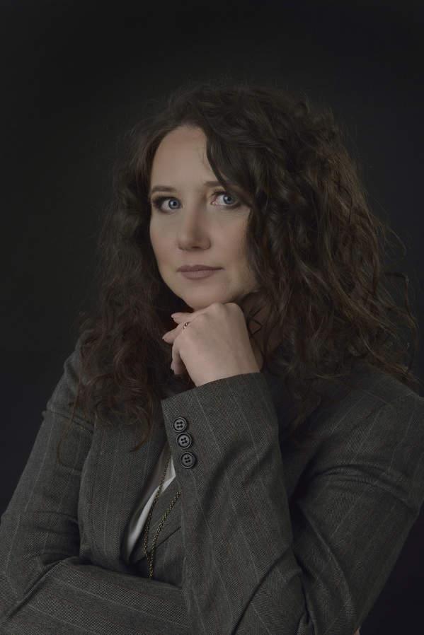 Anna Rozenberg, autorka powieści