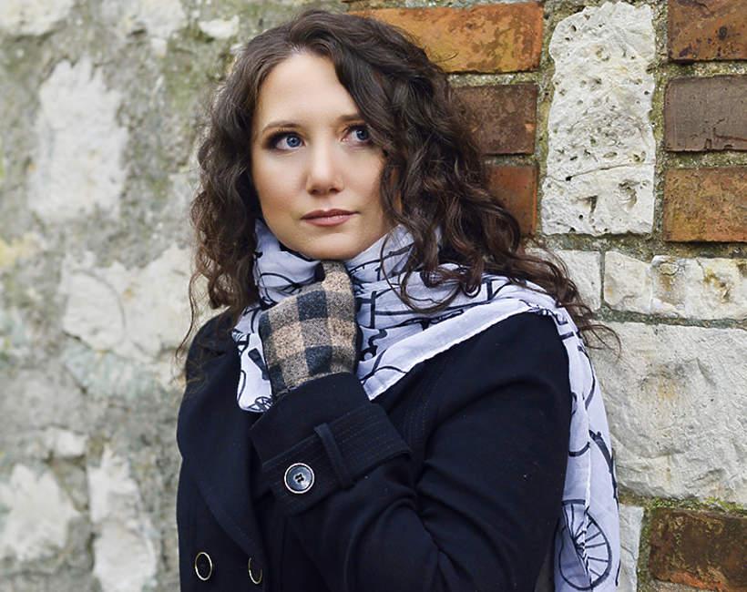 """Anna Rozenberg, autorka powieści """"Maski pośmiertne"""""""