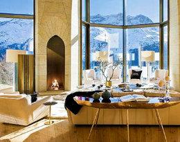 """Najdroższy dom w Szwajcarii, czyli """"alpejski pałac'' Jana Kulczyka wystawiony na sprzedaż za... 185 mln dolarów. Musicie zobaczyć te wnętrza!"""