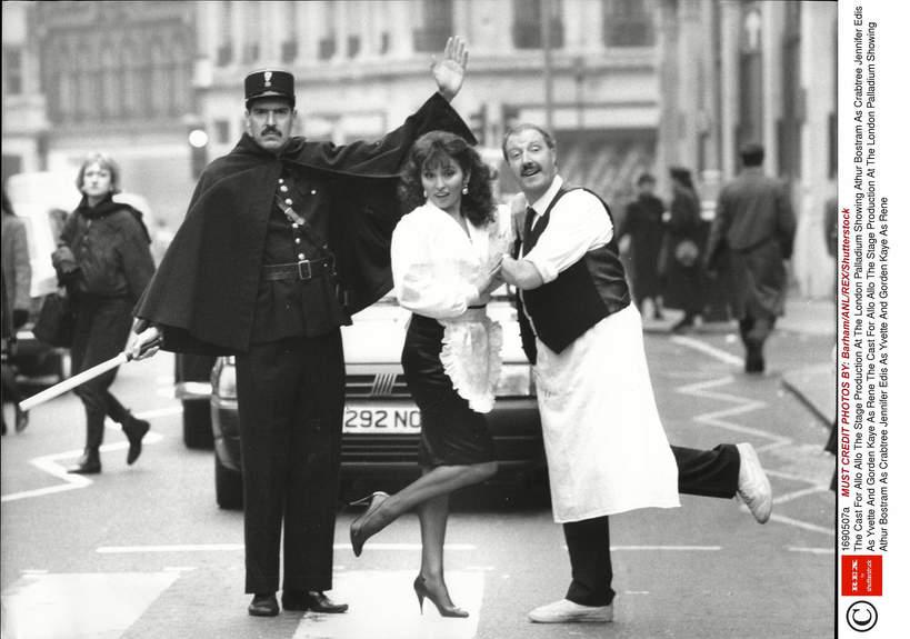 Athur Bostram, Jennifer Edis, Gorden Kaye, 1988