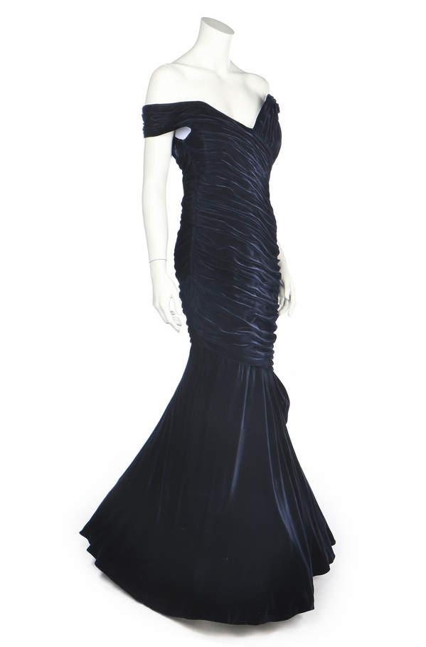 Aukcje księżnej Diany czarna sukienka