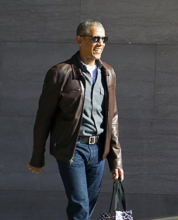 Barack Obama w skórzanej kurtce