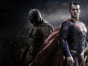 Ben Affleck, Henry Cavill i Gal Gadot w filmie Batman v Superman: Świt sprawiedliwości
