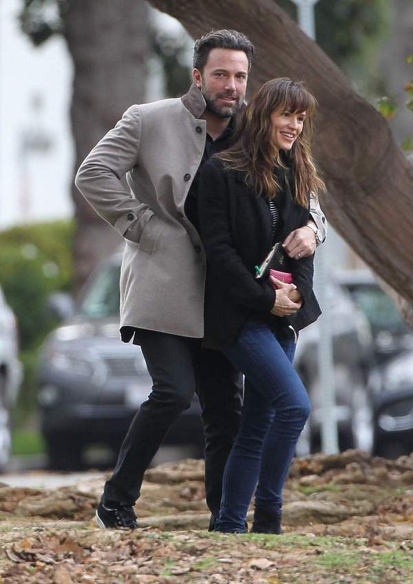 Ben Affleck i Jennifer Garner na spacerze
