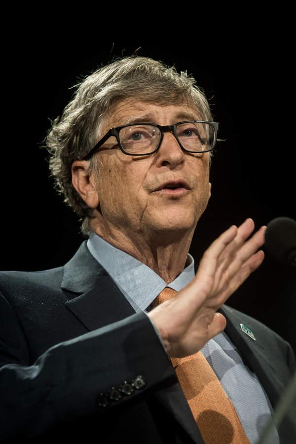 Bill Gates - teorie spiskowe. Co mówił o koronawirusie?