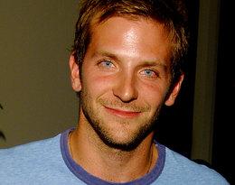 Bradley Cooper był kiedyś kelnerem, a przed Lady Gagąłączono go z wieloma kobietami...