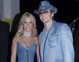 Britney Spears i Justin Timberlake na AMA 2001