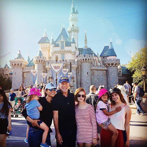 Bruce Willis z córkami i żoną
