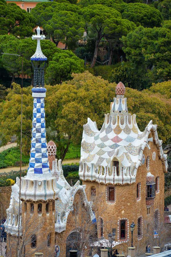 Budynki w Park Guell w Barcelonie